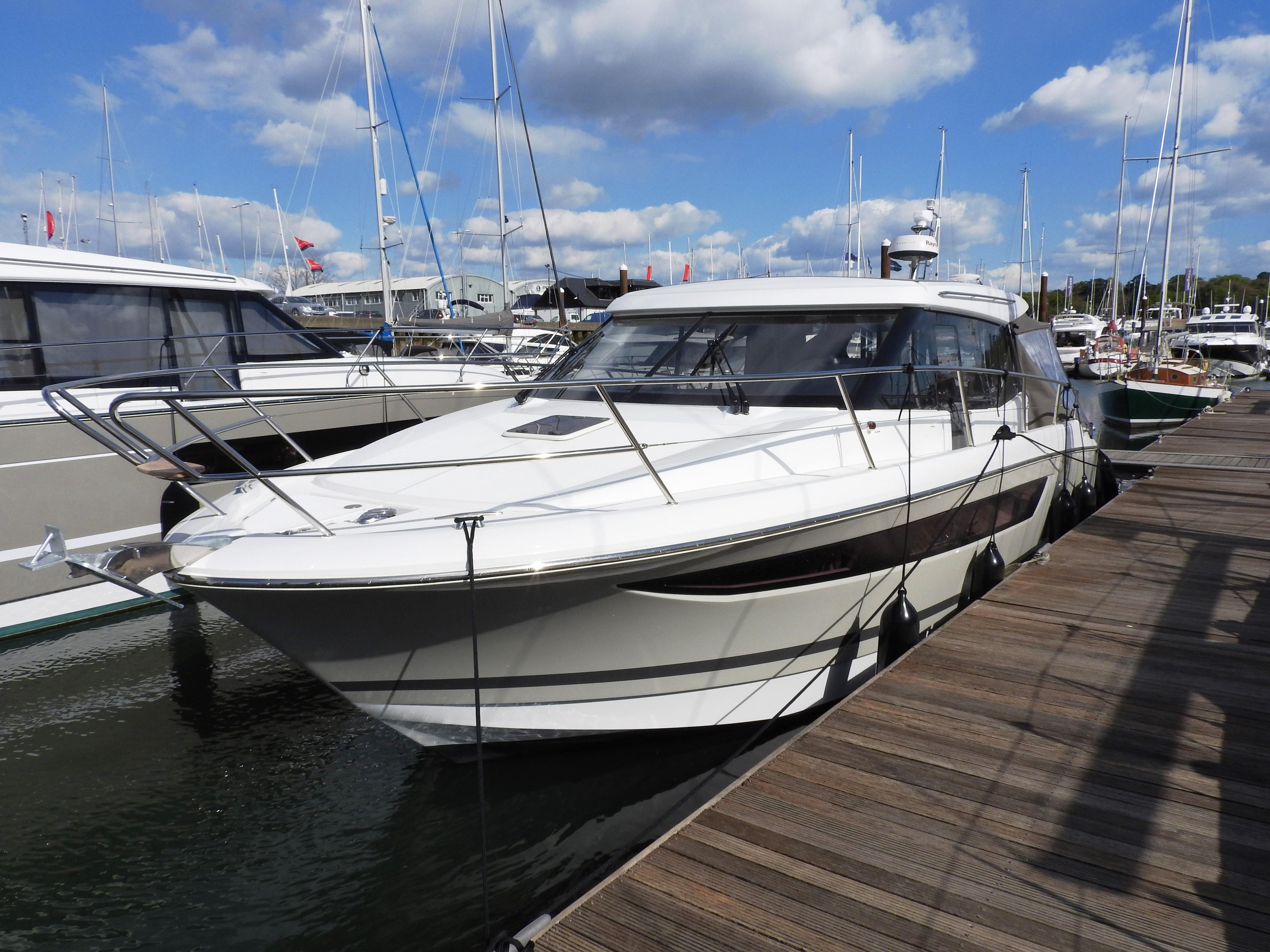 Jeanneau NC11 with extras
