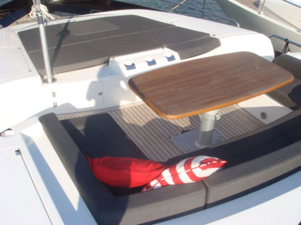 fore deck seating