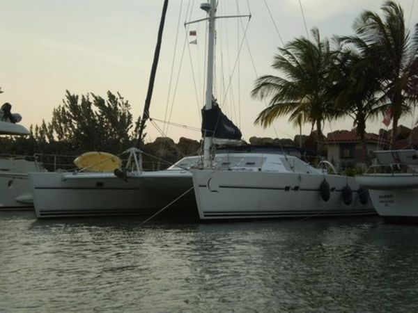 55' Lagoon Dockside
