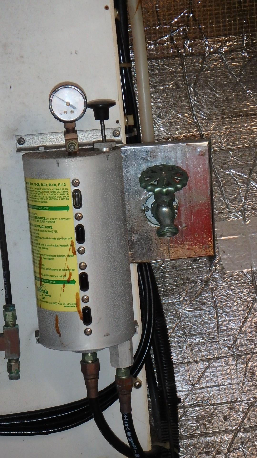 Navigator 4800 CLASSIC - Engine Room Fresh Water Washdown