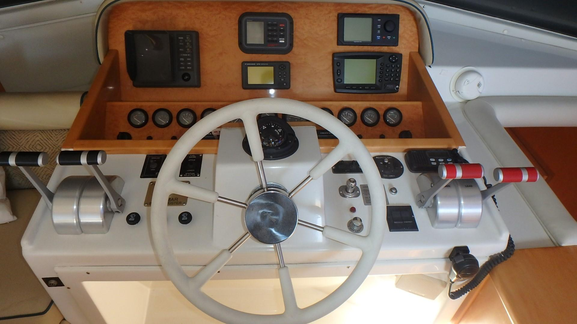Navigator 4800 CLASSIC - Lower Helm 3