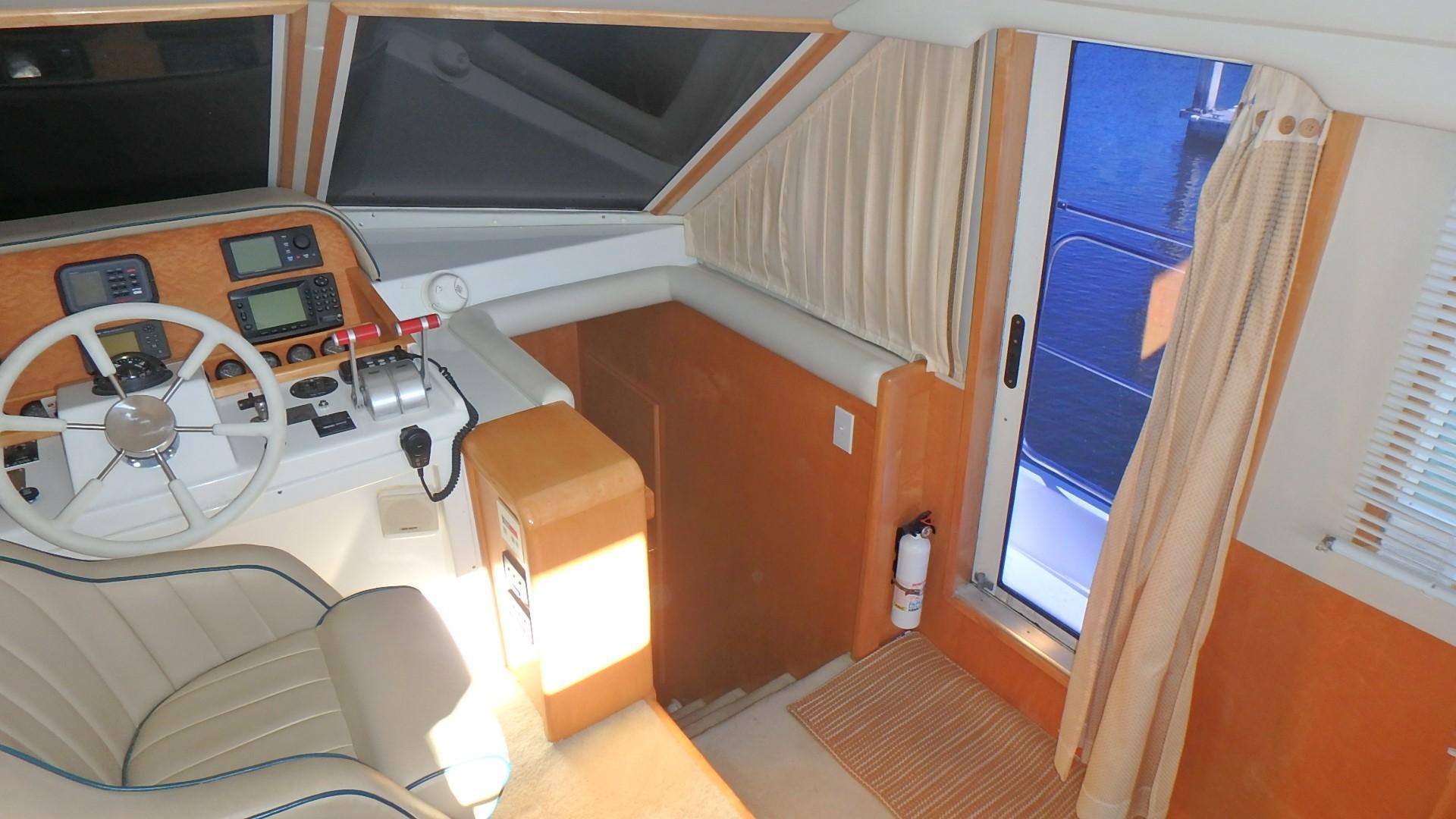 Navigator 4800 CLASSIC - Pilothouse Door