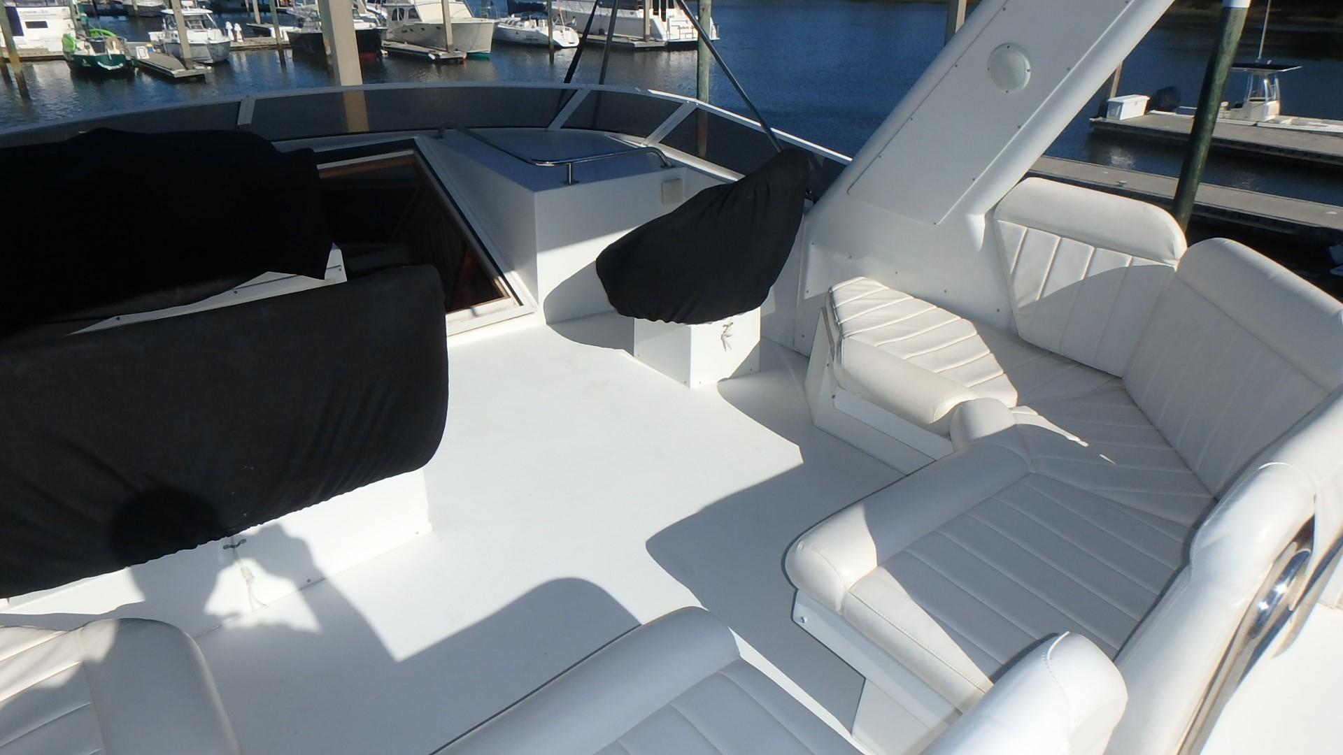 Navigator 4800 CLASSIC - Bridge Seating 2