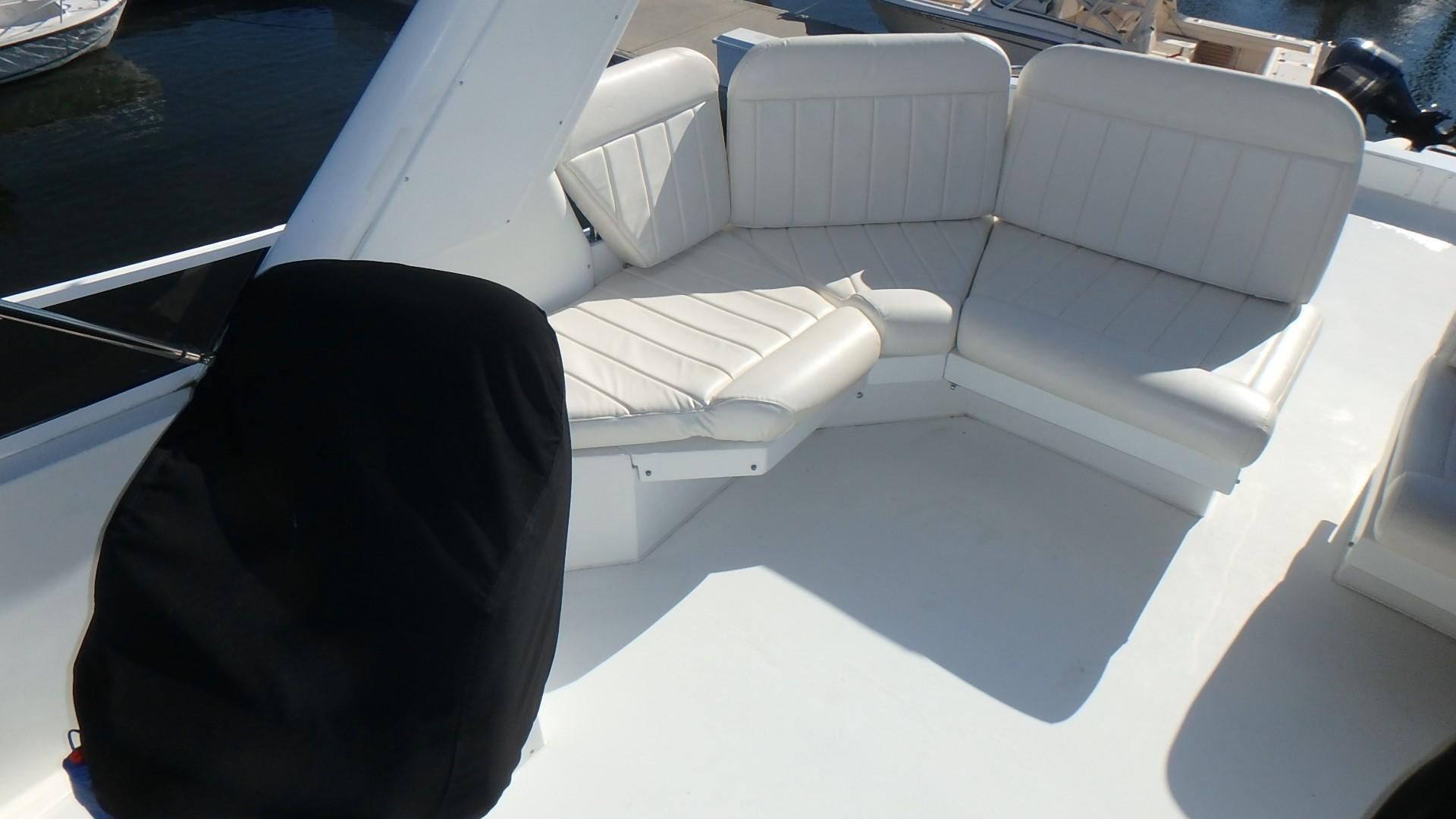 Navigator 4800 CLASSIC - Bridge Seating 3