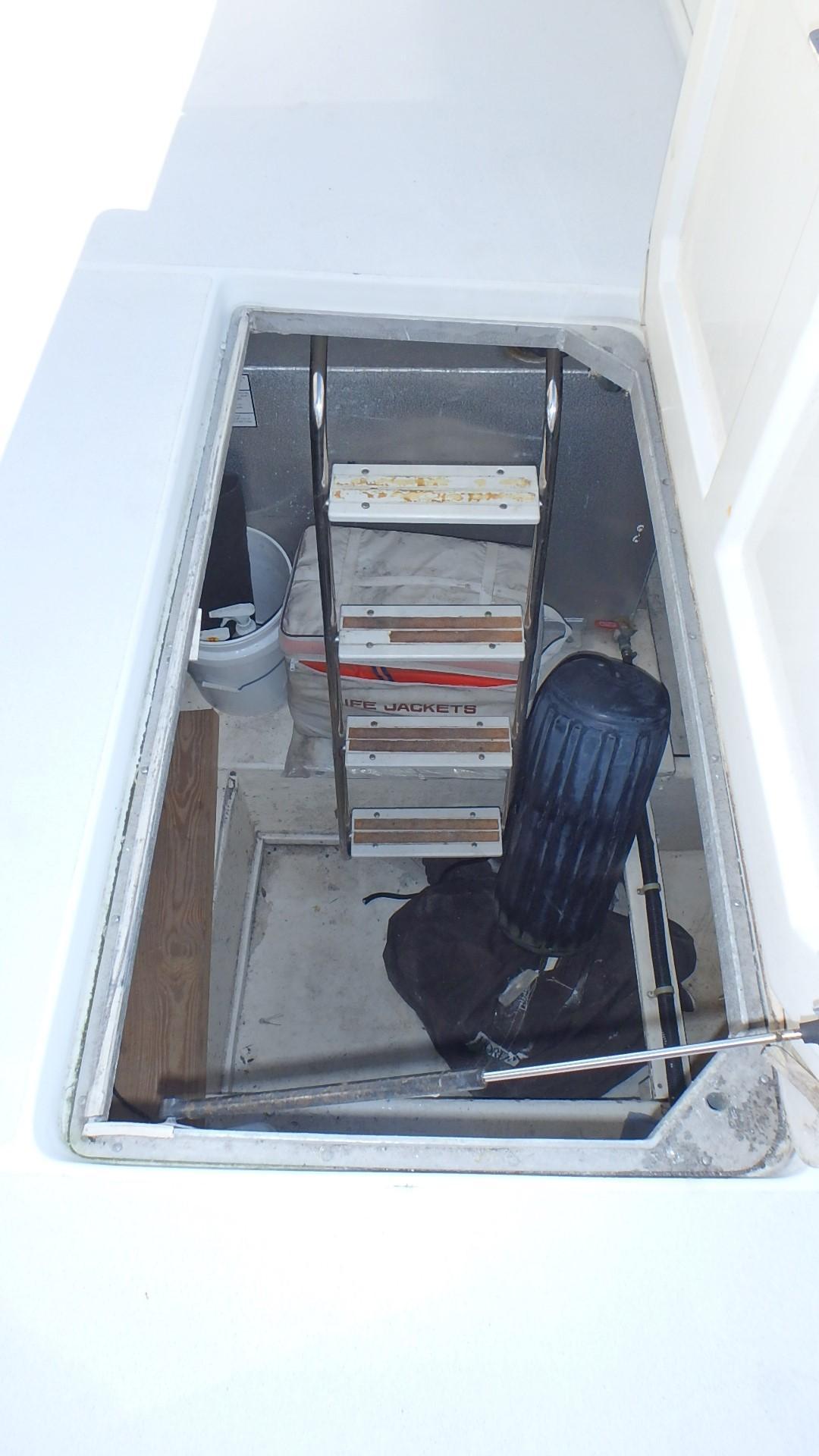 Navigator 4800 CLASSIC - Lazarette