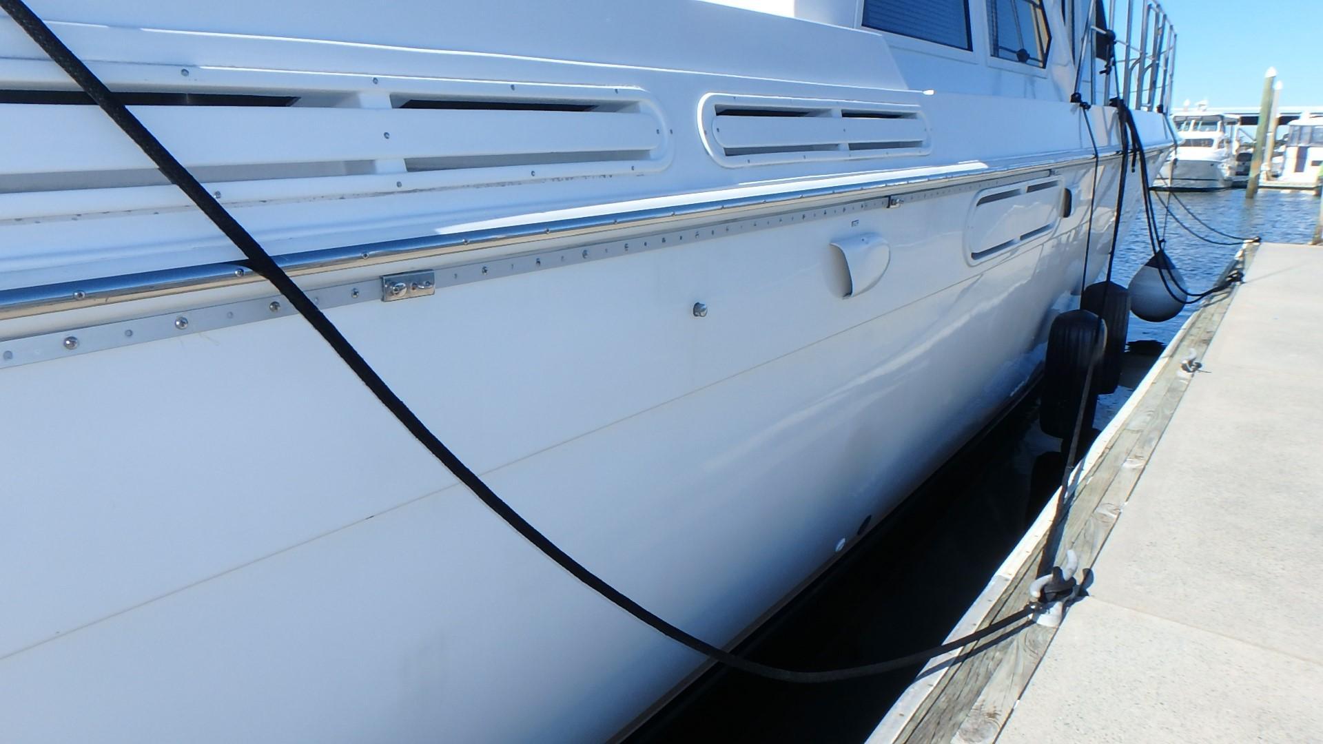 Navigator 4800 CLASSIC - Hull Shine