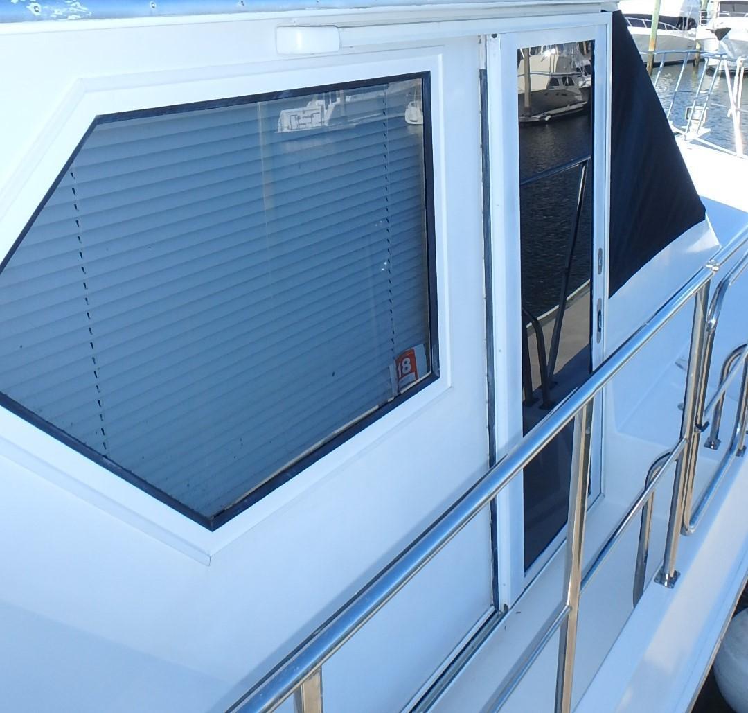Navigator 4800 CLASSIC - 1999 Navigator 48 Pilothouse
