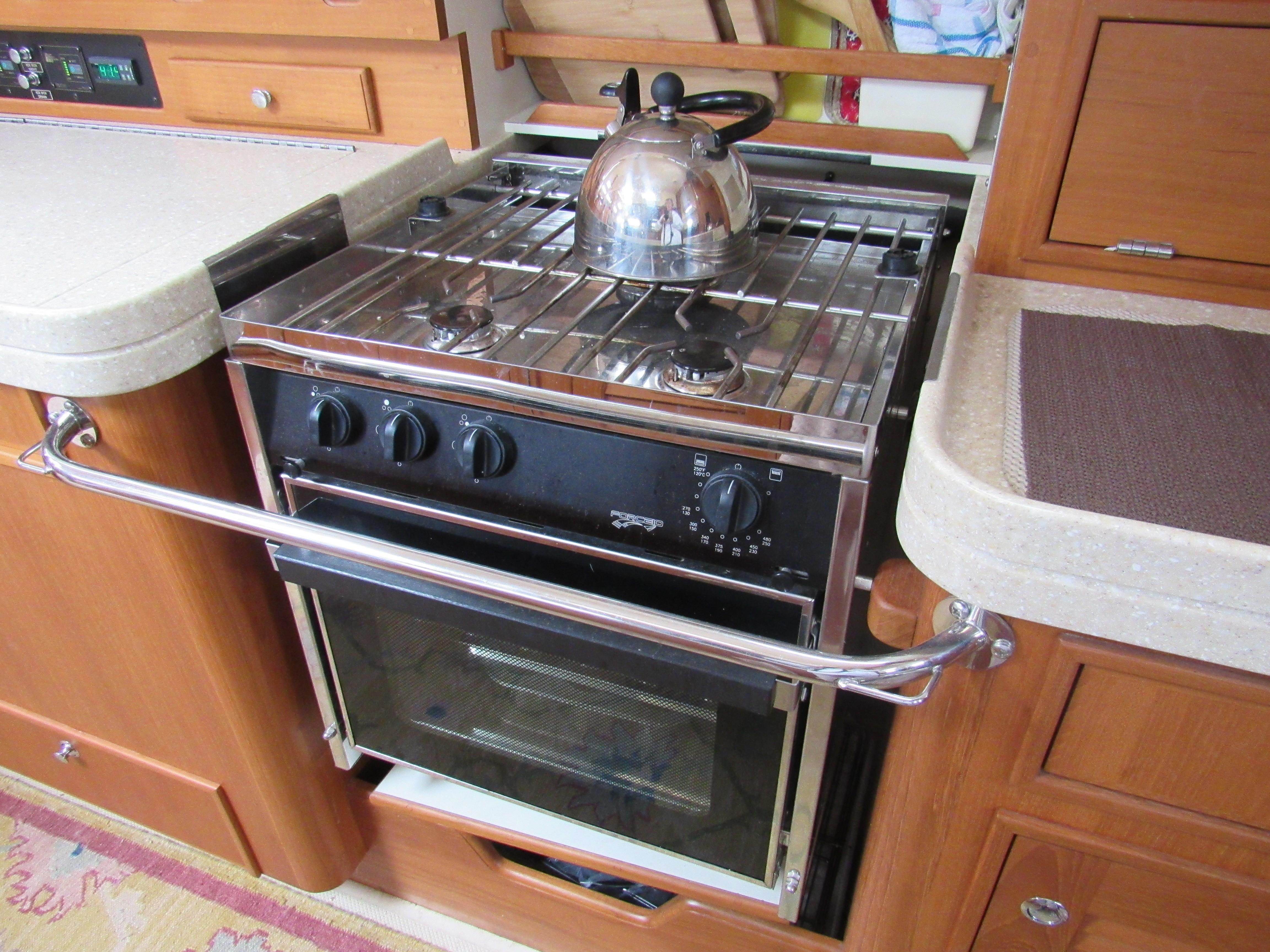 3 burner propane stove and oven