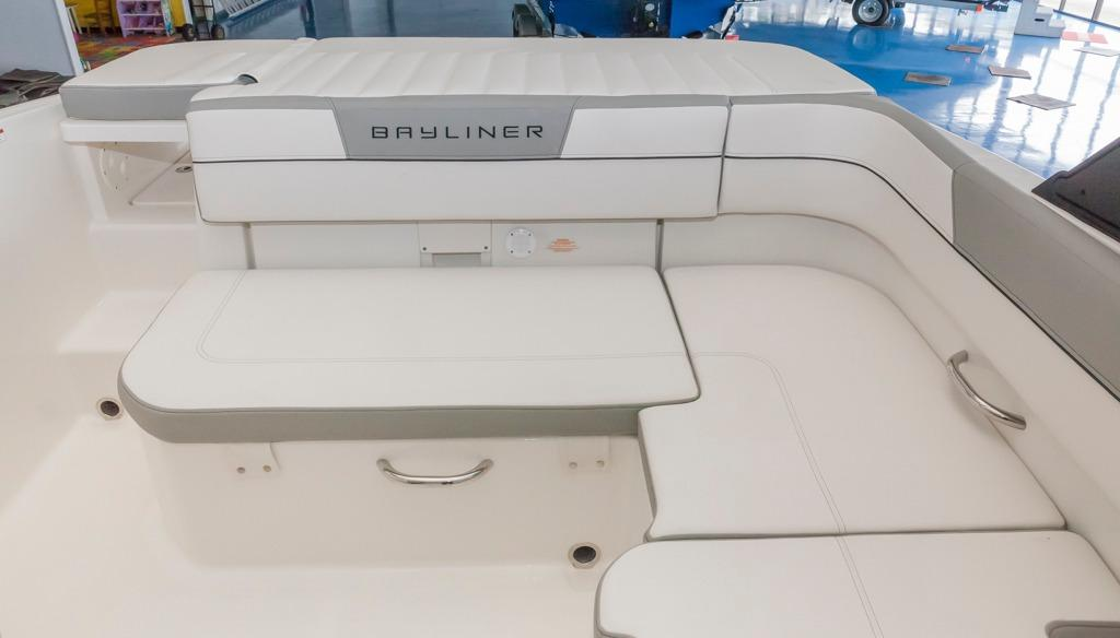 BaylinerVR5 Bowrider