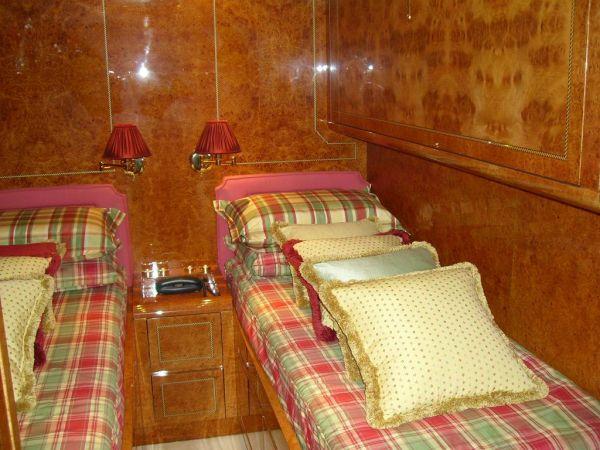 twin cabin starboard