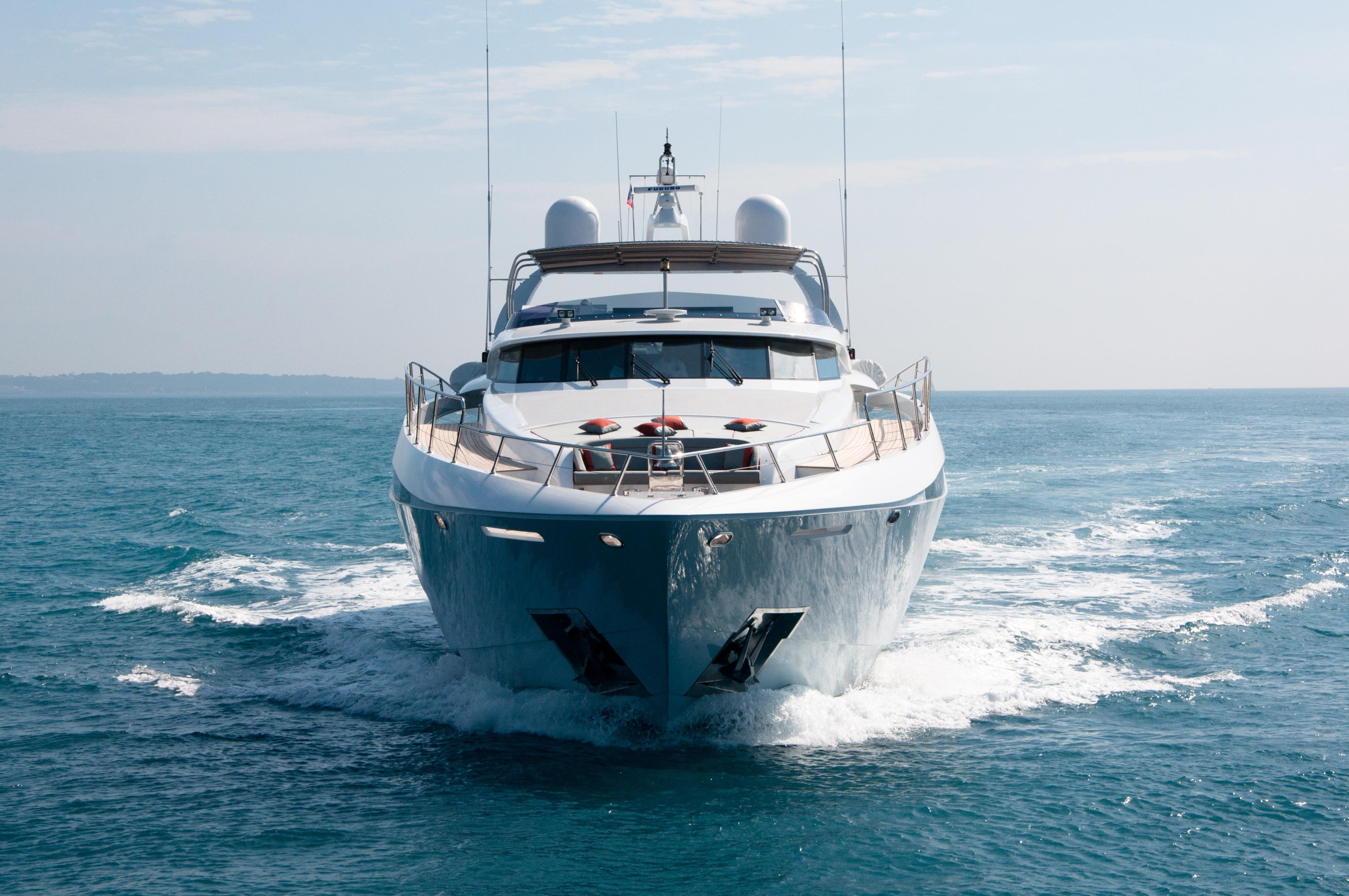 Gems - Fast Motor Yacht