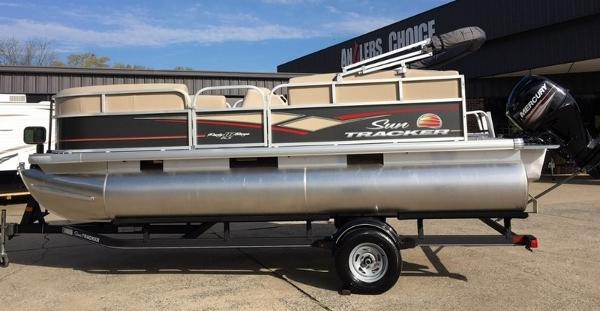 2018 SUN TRACKER PARTY BARGE® 18 DLX for sale