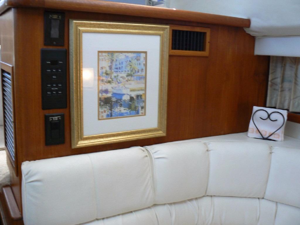 Carver 440 Aft Cabin Motor Yacht - Dinette Aft