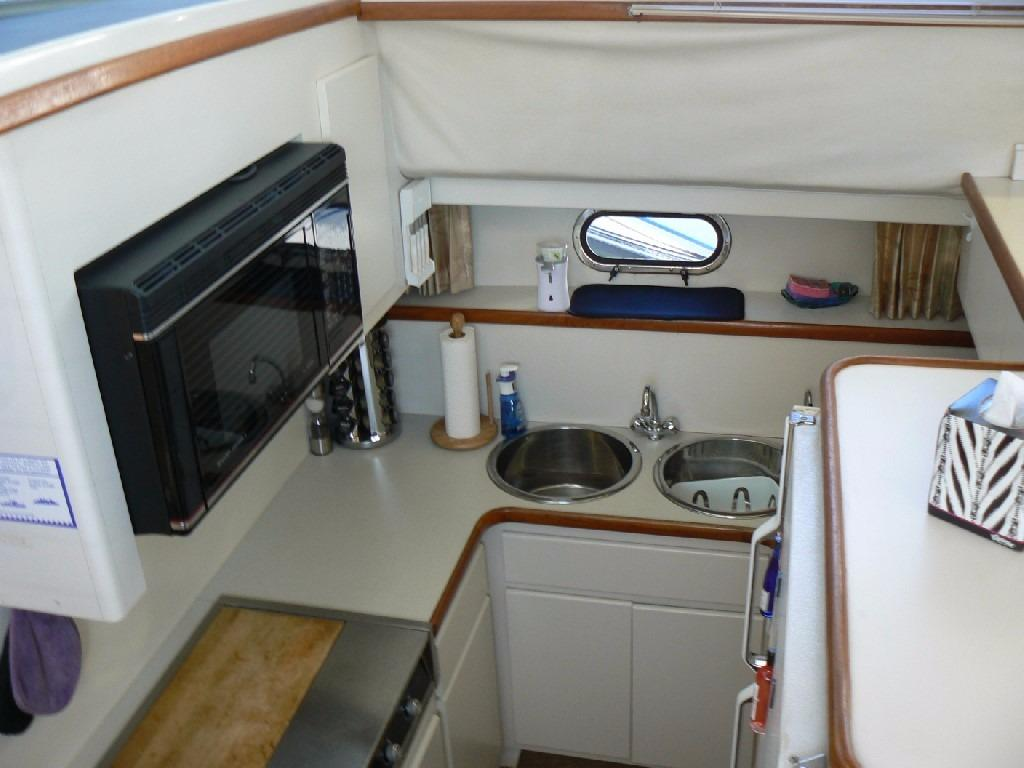 Carver 440 Aft Cabin Motor Yacht - Galley 1