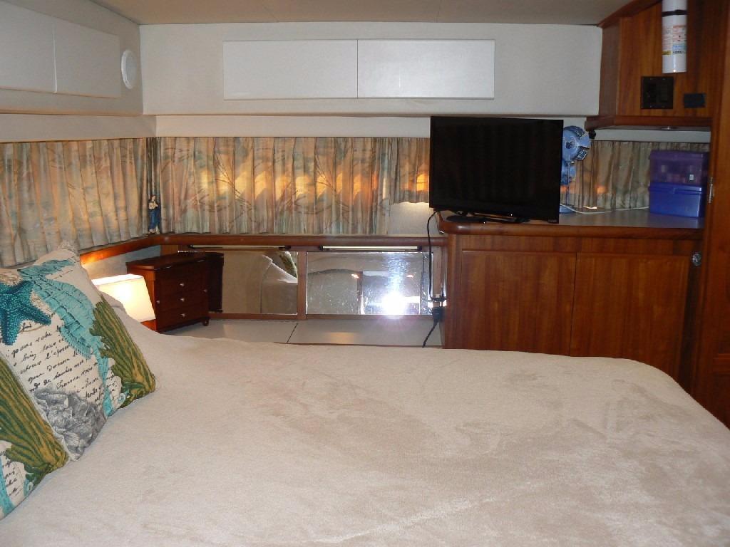 Carver 440 Aft Cabin Motor Yacht - Master to Port