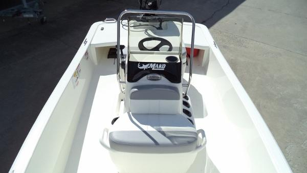 2018 Mako boat for sale, model of the boat is Pro Skiff 15 CC & Image # 3 of 7