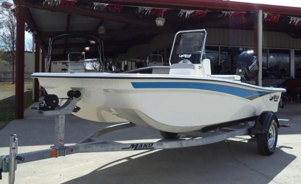 2018 Mako boat for sale, model of the boat is Pro Skiff 15 CC & Image # 5 of 7