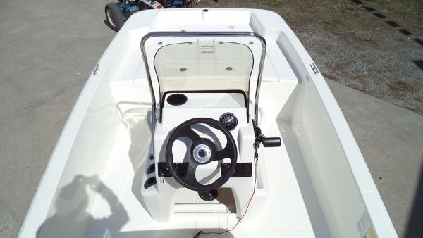 2018 Mako boat for sale, model of the boat is Pro Skiff 15 CC & Image # 7 of 7