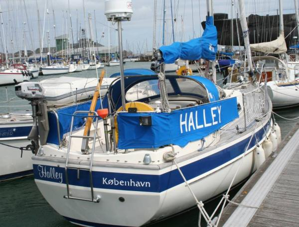 Boat Name: HALLEY; Year: 1986; Builder: Hallberg-Rassy Varvs AB; Model: 29 ...
