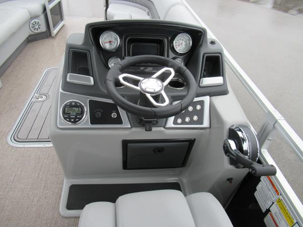 2020 Ranger Boats boat for sale, model of the boat is Reata 243C & Image # 4 of 5