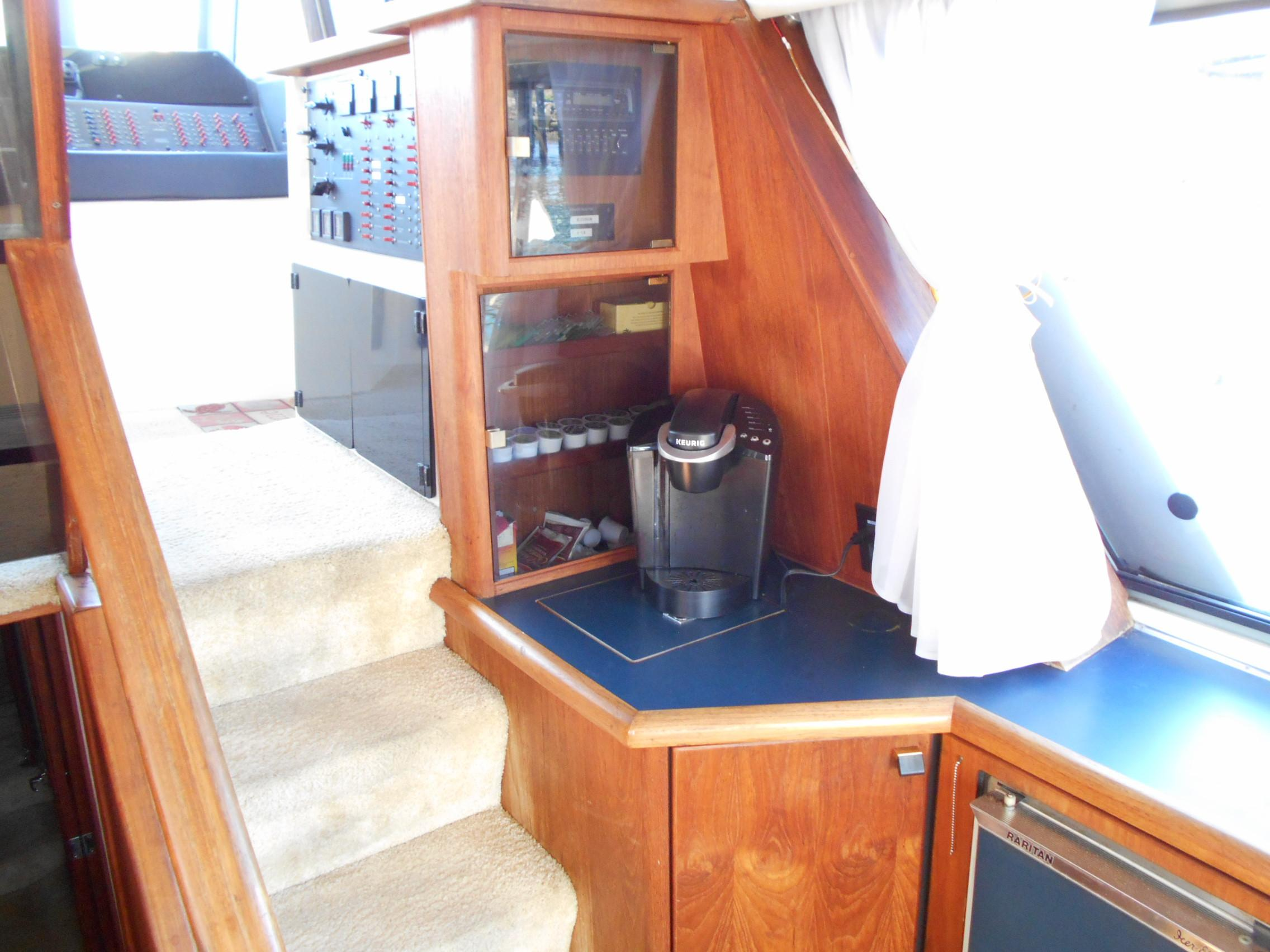 45 Bayliner Leilani 1987 Long Beach | Denison Yacht Sales
