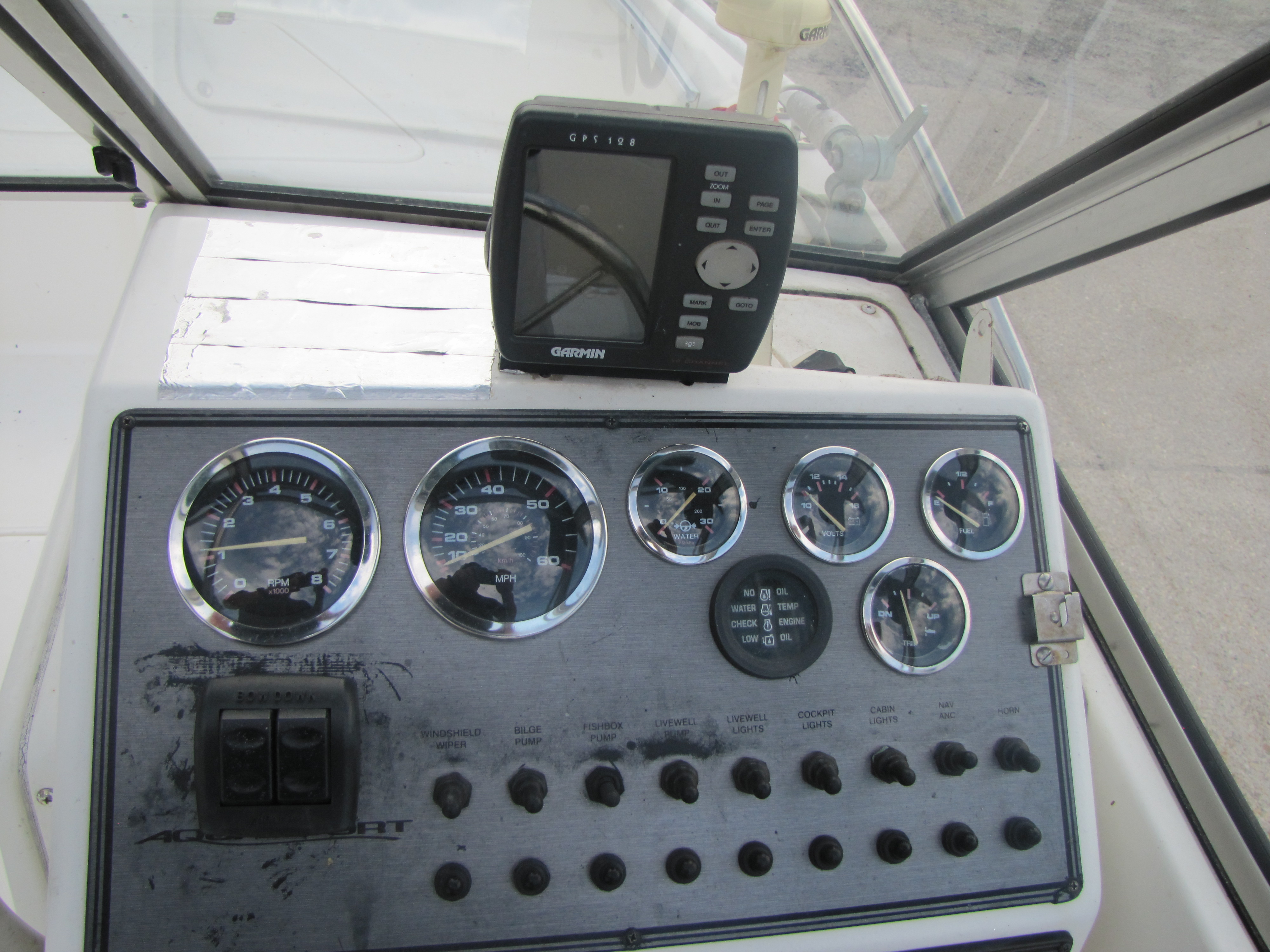 2000 Aquasport boat for sale, model of the boat is 215 Osprey Sport & Image # 2 of 21
