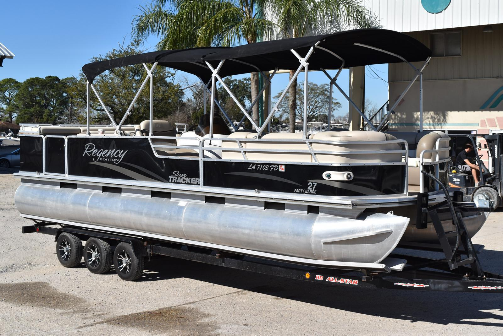 2001 Regency boat for sale, model of the boat is 27 Party Barge & Image # 6 of 12