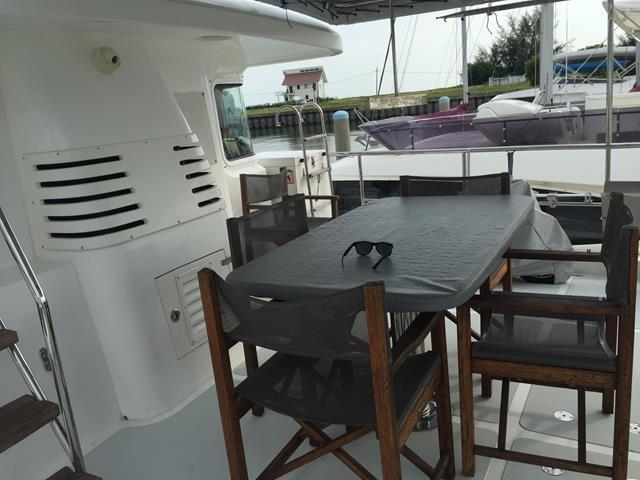 Nordhavn 55 Flybrige Table