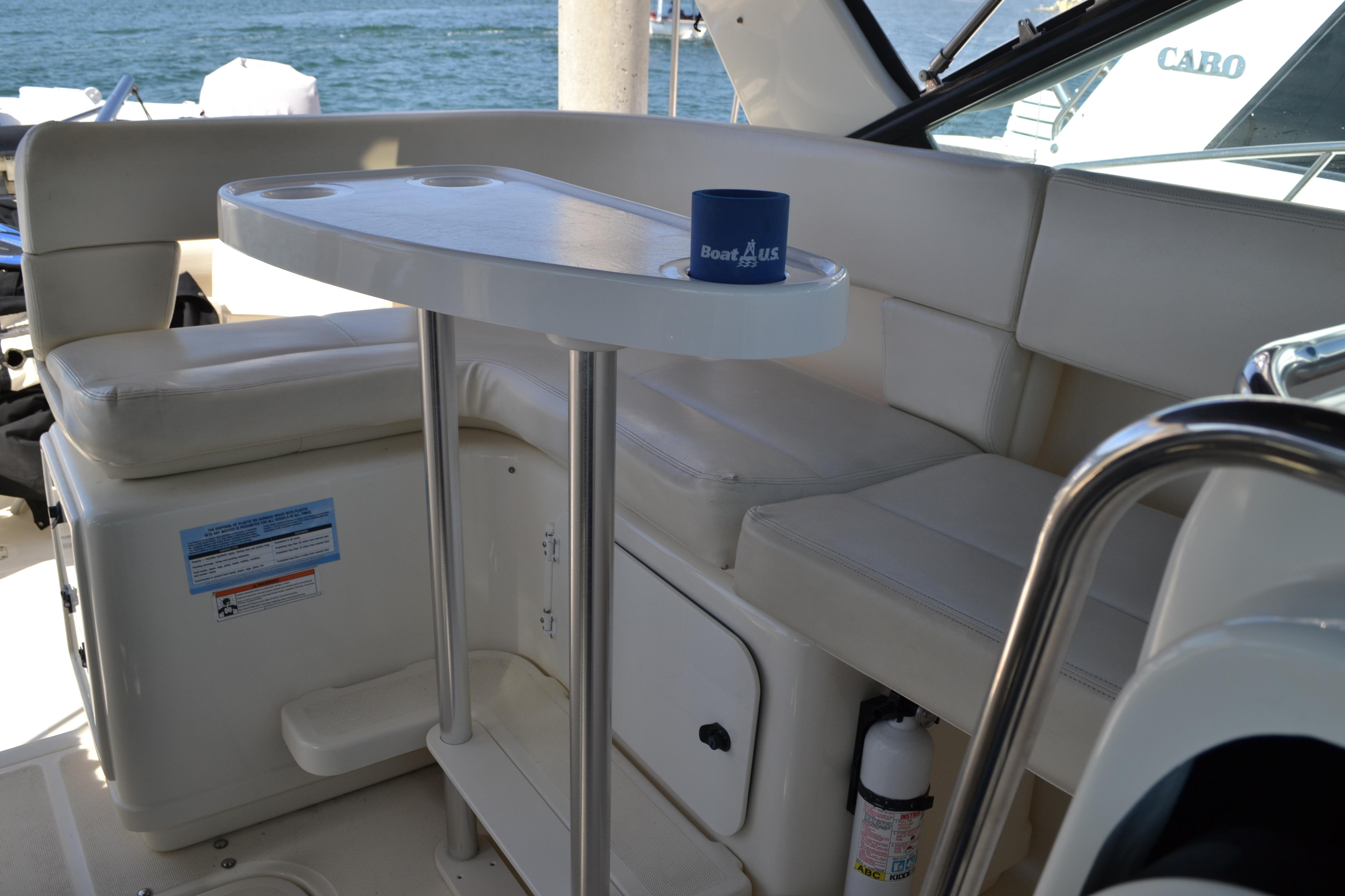 L-Lounge With Table On Deck
