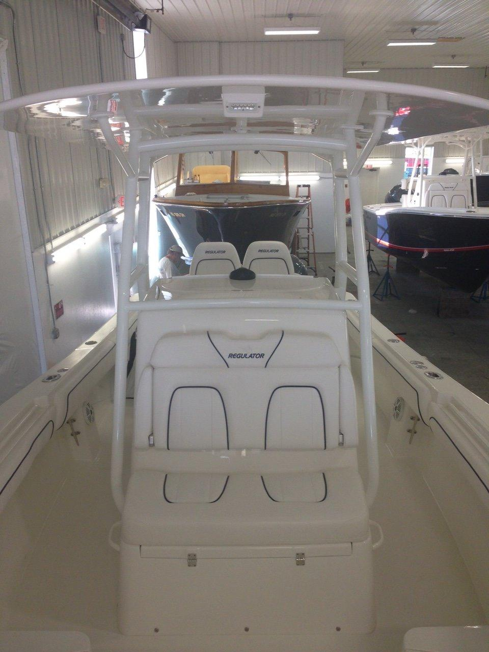 Regulator FS Center Console 28