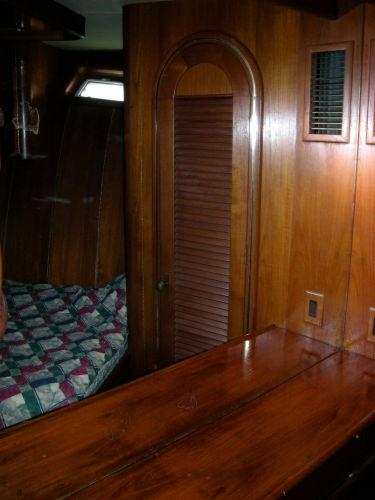 Guest Cabin/Vanity/Storage