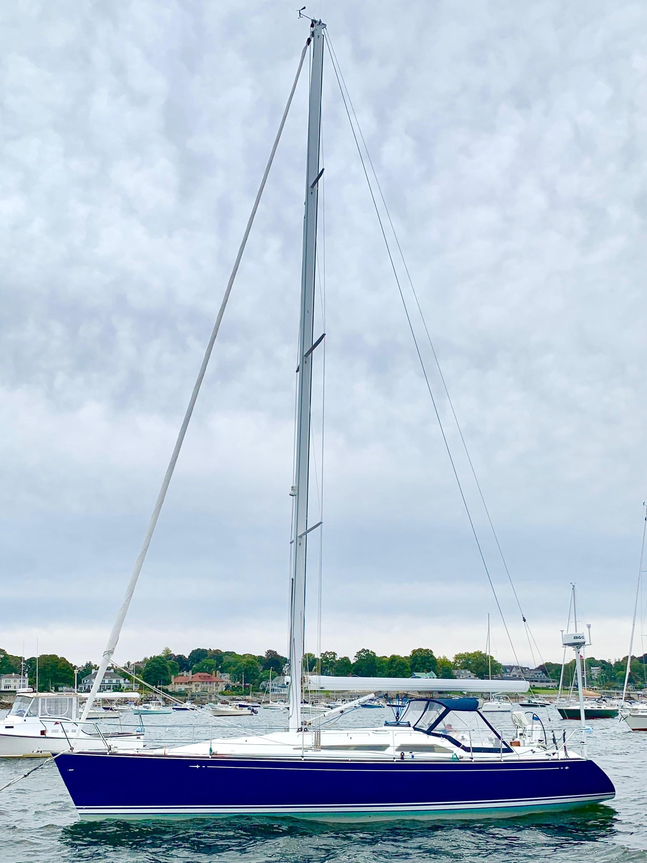 40 ft C&C 121 Full Provile