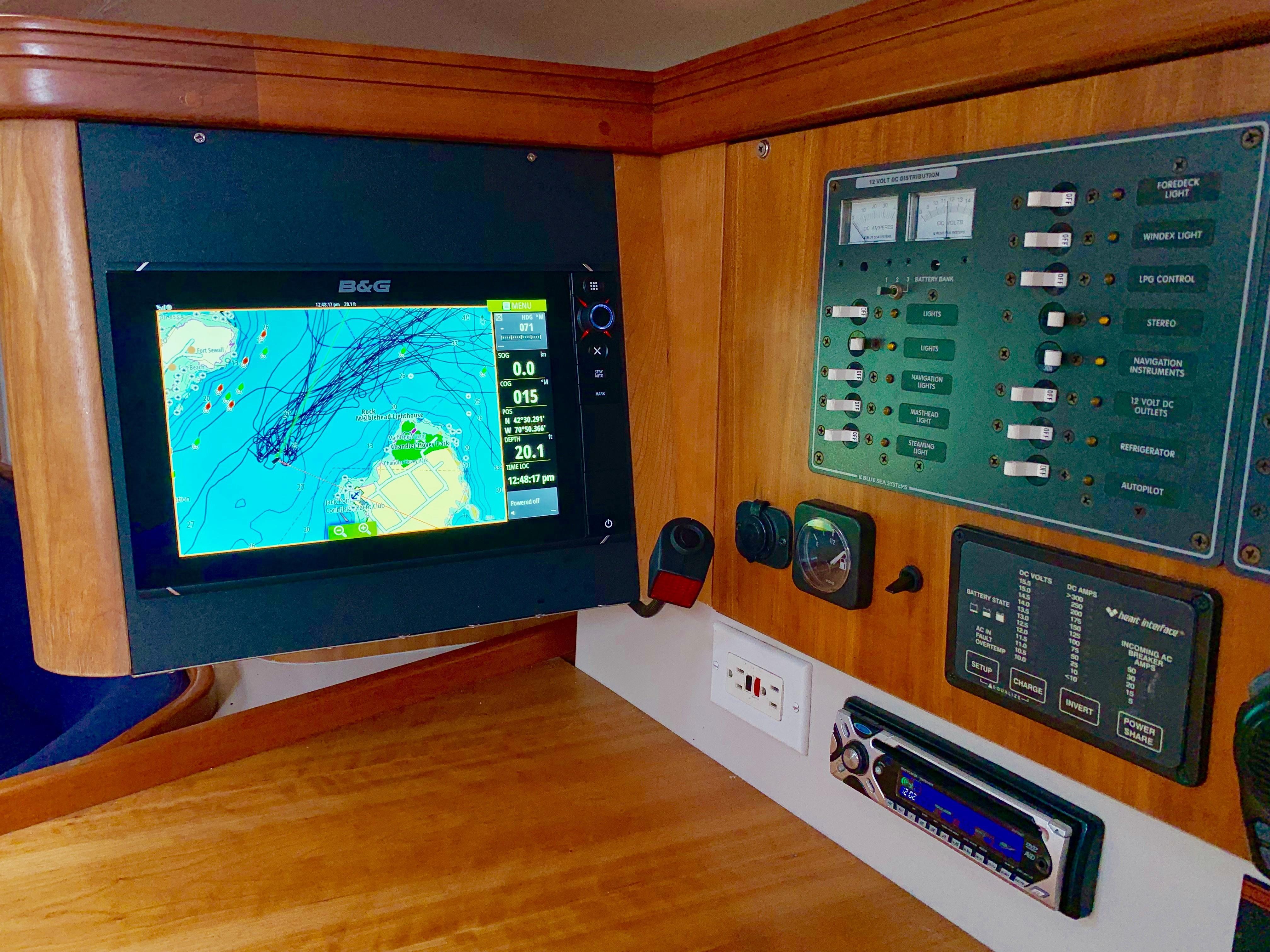 40 ft C&C 121 Nav Station Detail