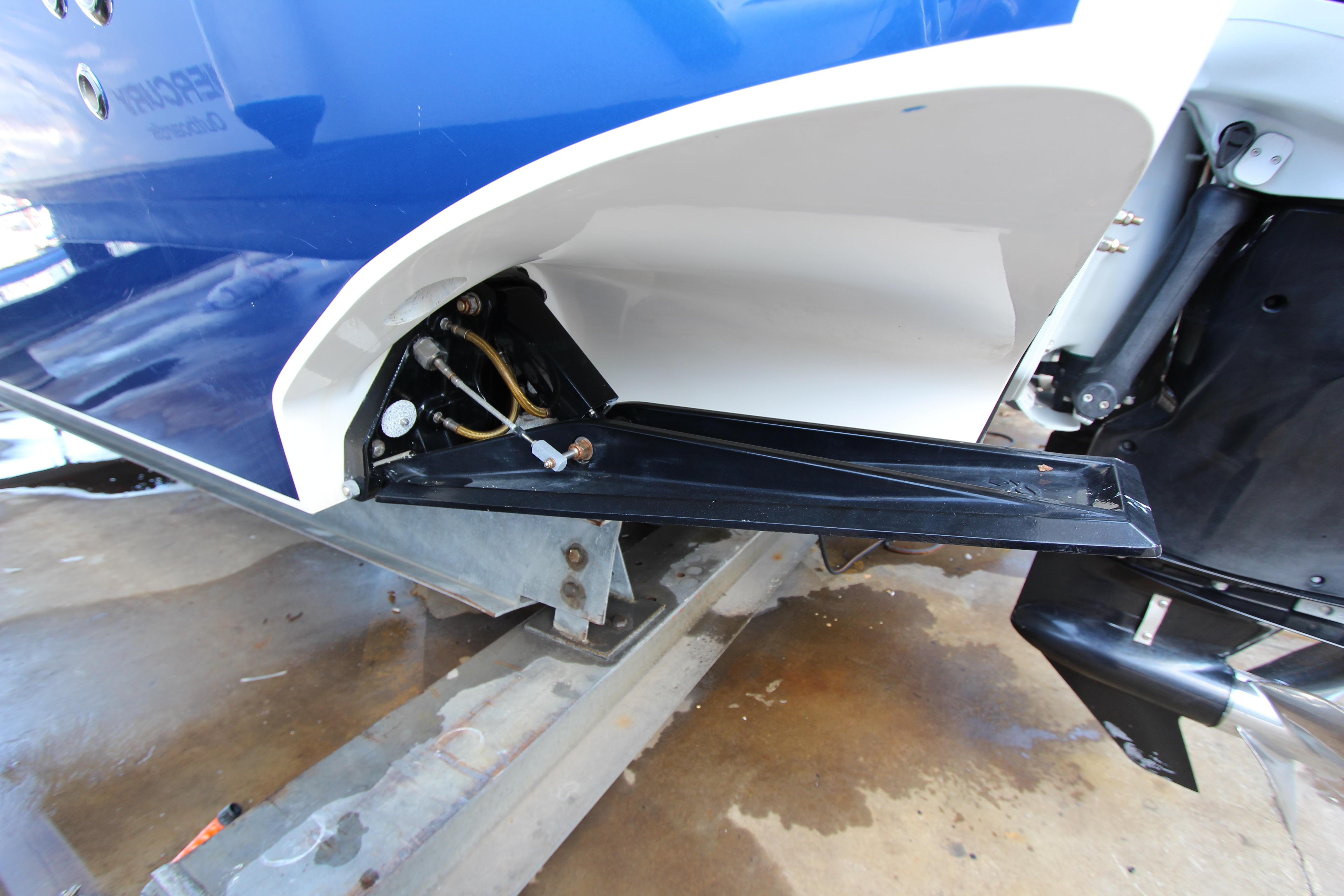 Port side trim tab