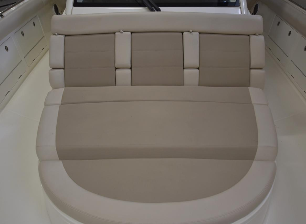 Boston Whaler 2016 420 Outrage 42 Yacht for Sale in US on