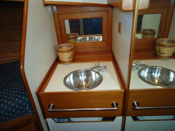 V-berth sink and vanity