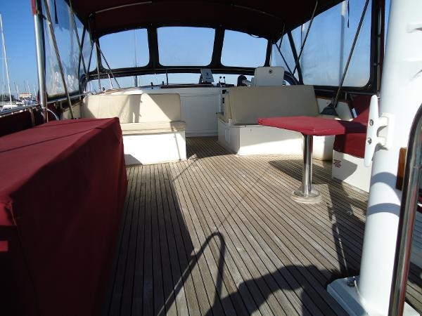 Flybridge deck looking forward