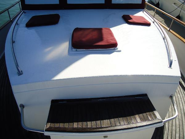Foredeck and bench seat with locker