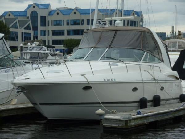 37' Cruisers Yachts 370 Express