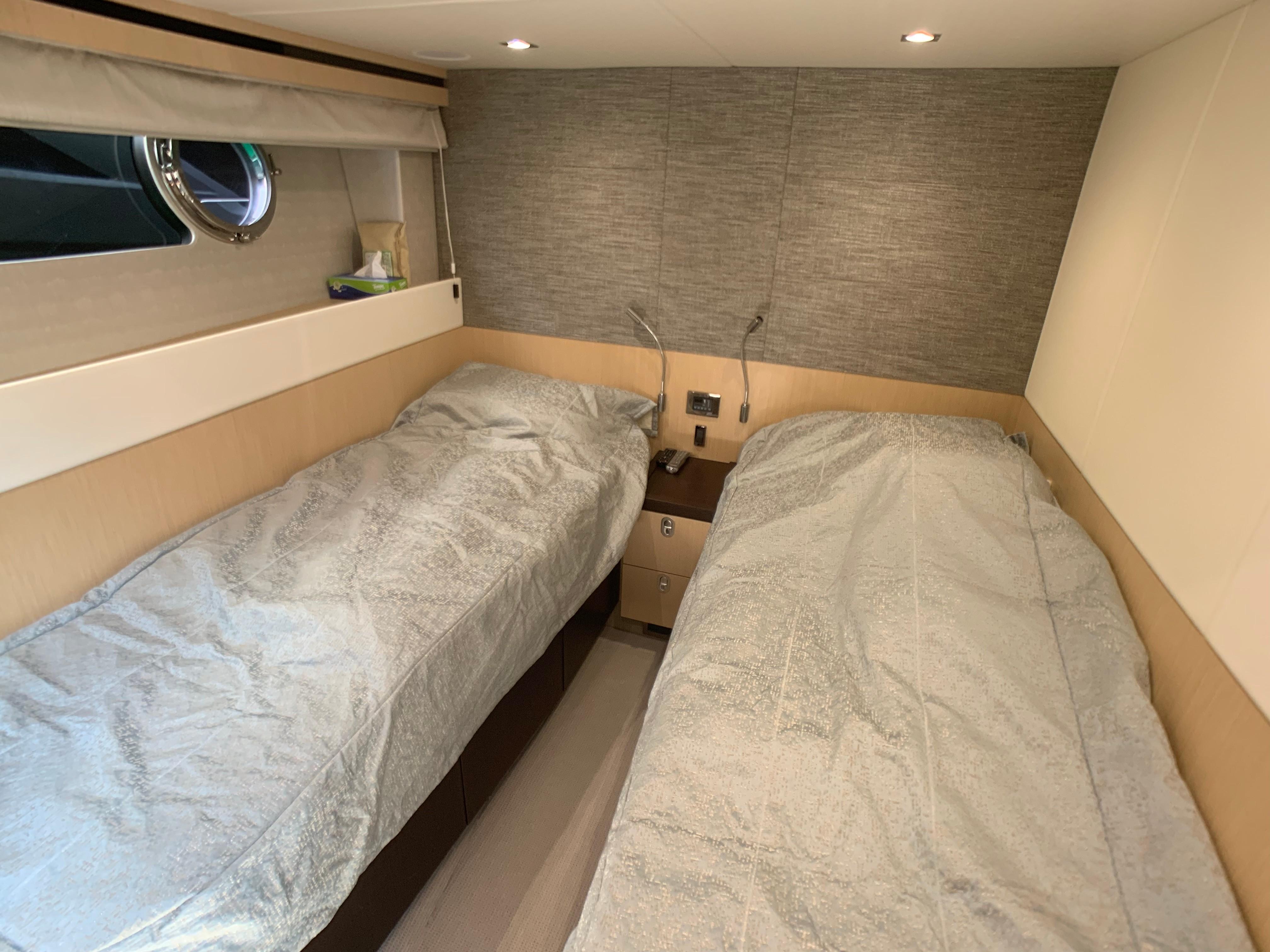 Manhattan 65 - Guest Cabin
