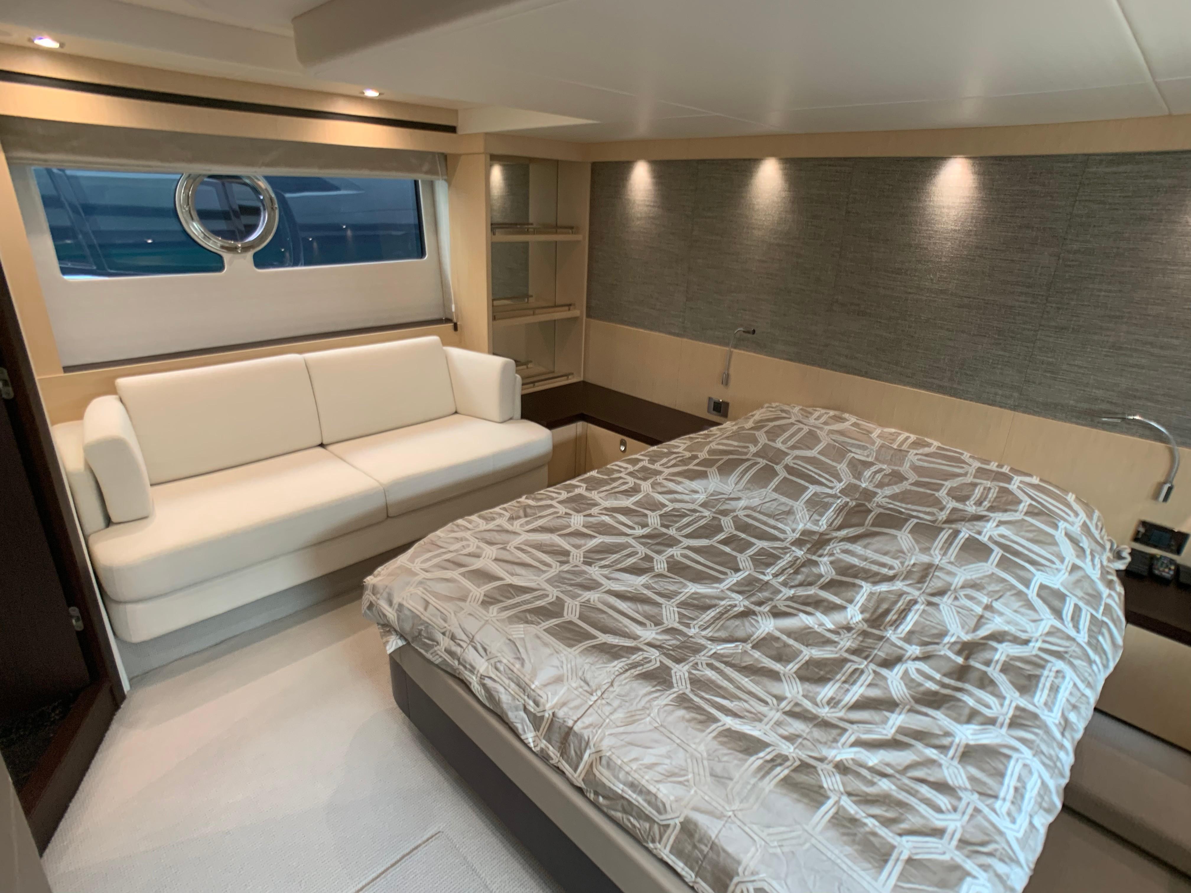 Manhattan 65 - Master Cabin