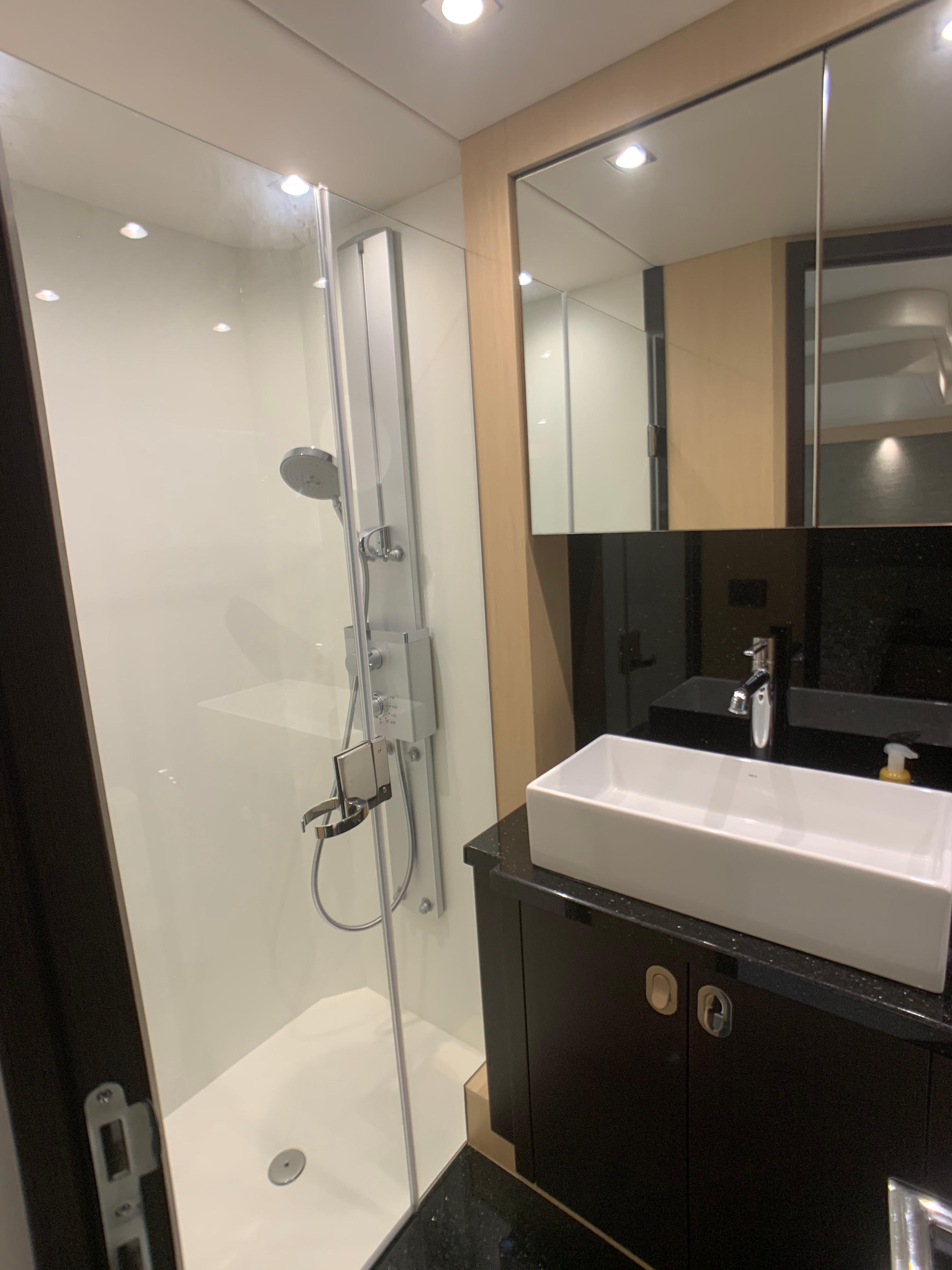 Manhattan 65 - Master Bathroom
