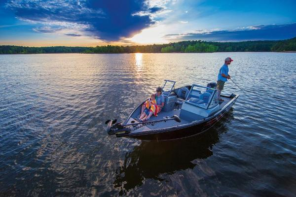 2017 Tracker Boats boat for sale, model of the boat is Pro Guide V-175 WT & Image # 9 of 40