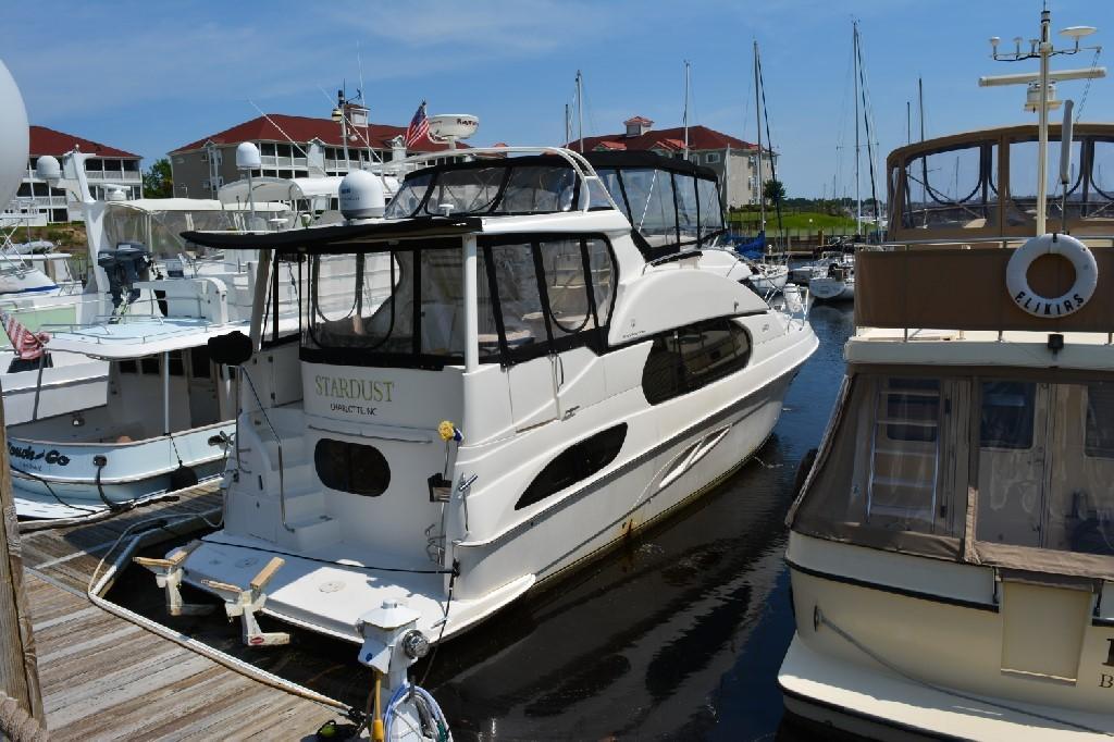 Silverton 43 Motor Yacht - Starboard
