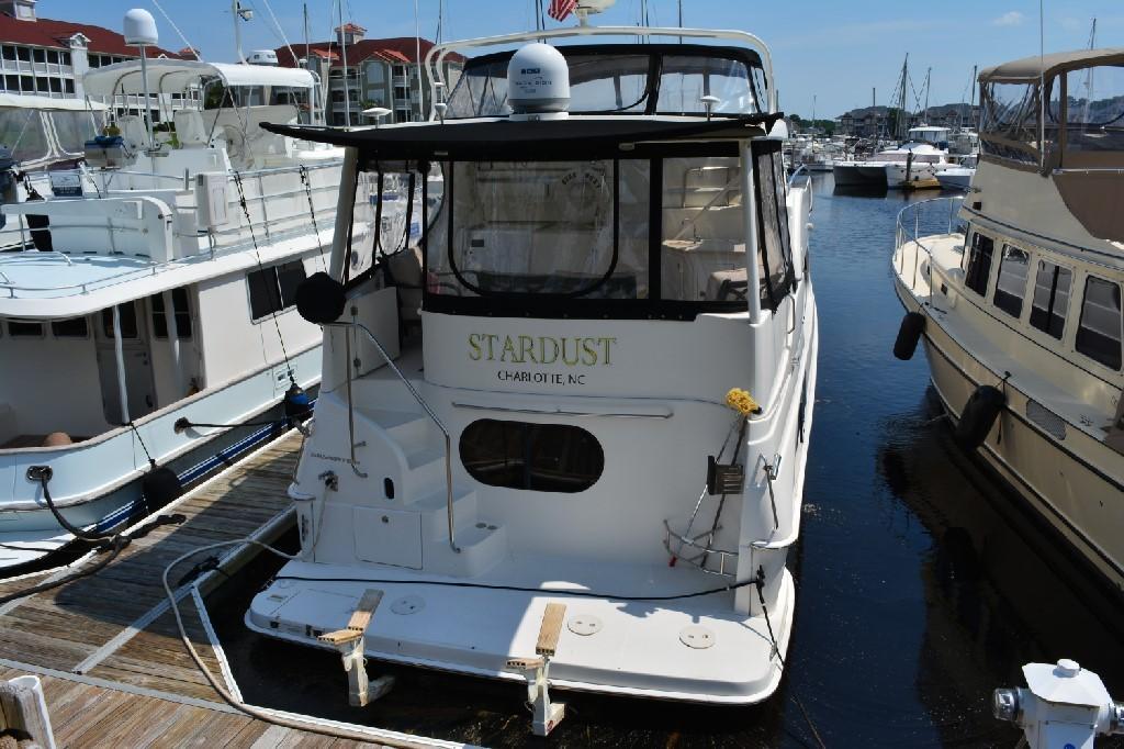 Silverton 43 Motor Yacht - Stern