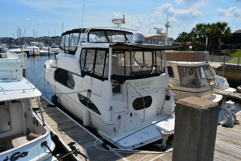 Silverton 43 Motor Yacht - Port