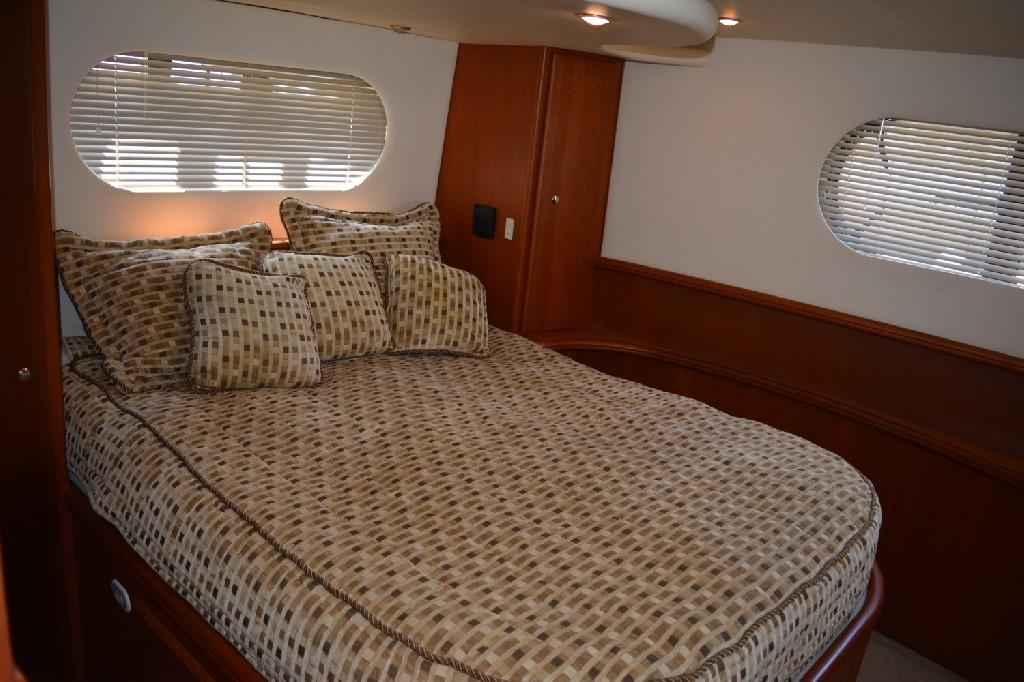 Silverton 43 Motor Yacht - Master Berth 2