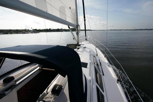 2010 Hunter 39 | Sailboats for Sale