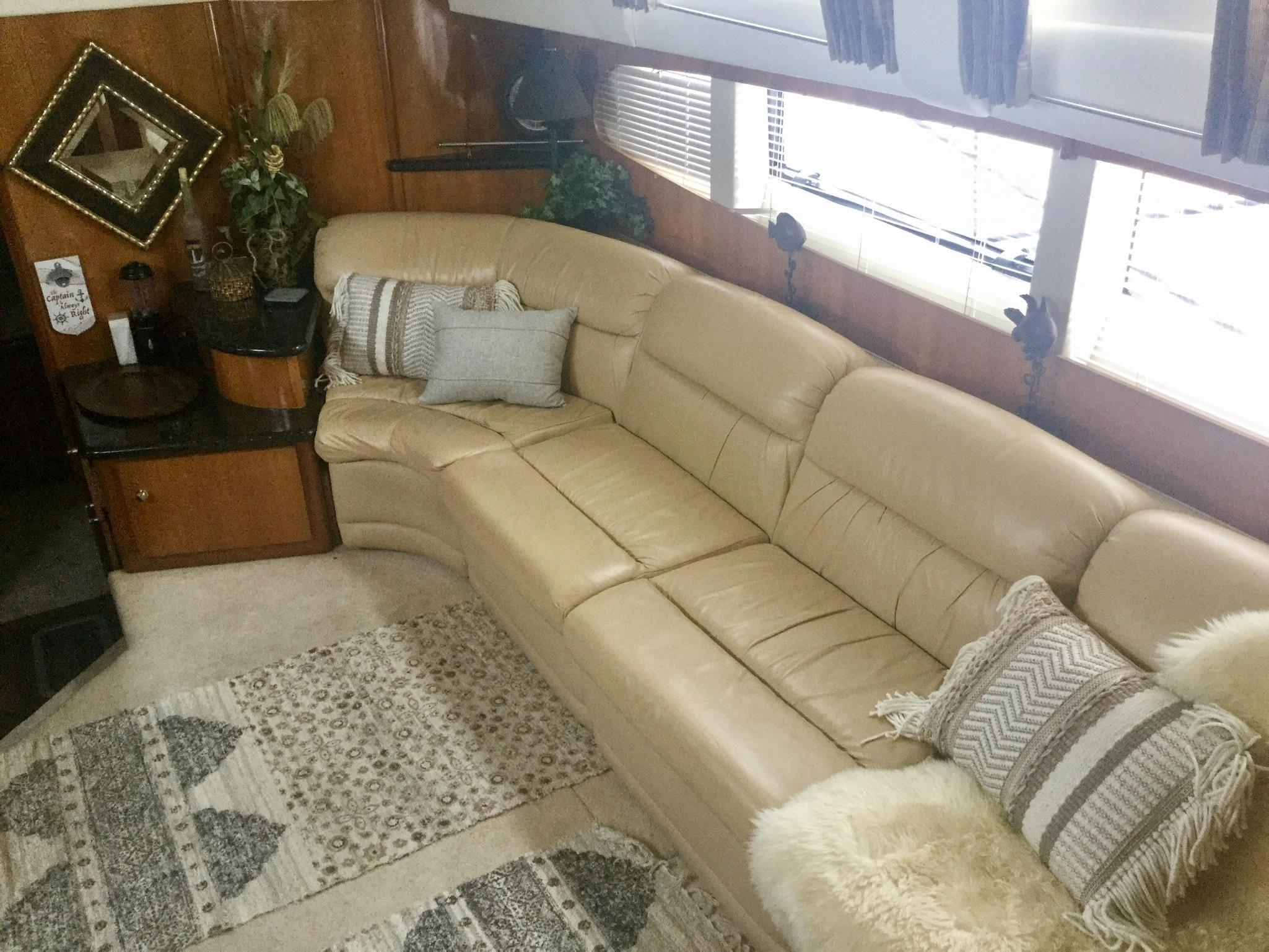 Carver 396 Aft Cabin MY - Photo: #13