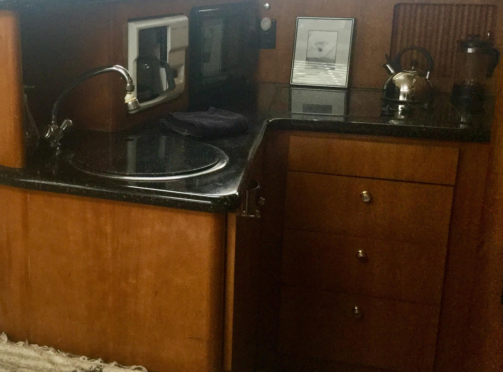 Carver 396 Aft Cabin MY - Photo: #19